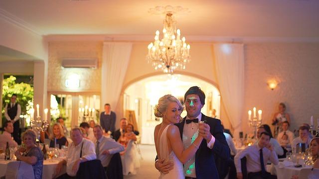 Como usar a tecnologia para uma festa de casamento perfeita