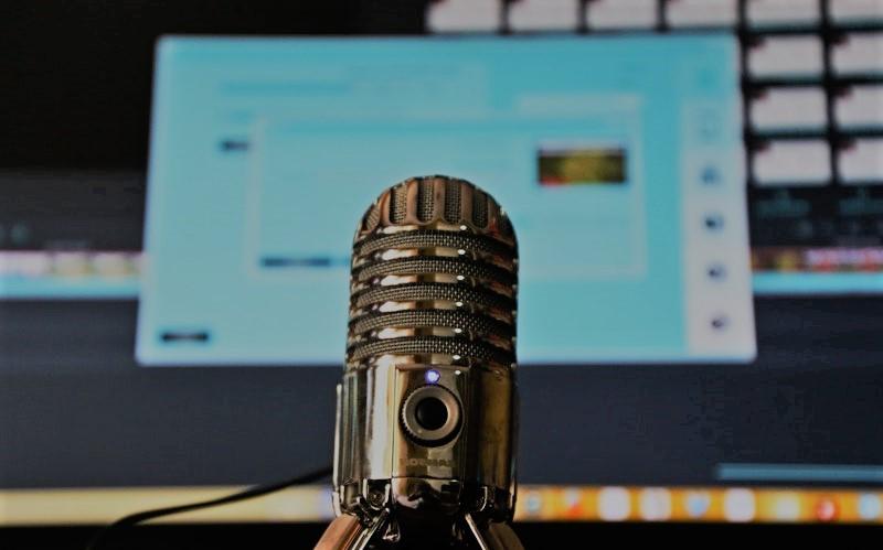 Entenda o que são os podcasts e conheça algumas sugestões